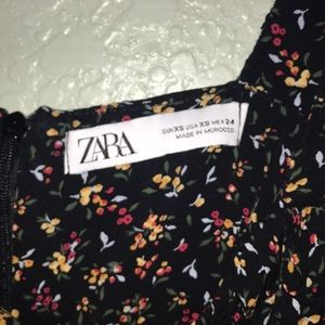 Zara Dresses - Floral dress
